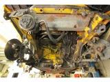 エンジンミツションを取り外した画像です。