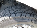 タイヤの溝もこの通り!!まだまだ使えますよ!!