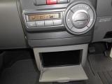 エアコンはオートタイプ。設定温度を保ってくれます。