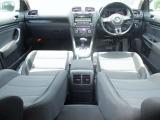 ★充実の安全装備8エアバッグ・ABSを装備。