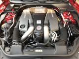 ノーマルSL63は537ps・81.6kgmを発揮しSL550の4.7リッター435ps・71.4kgmの約2割増!「AMGパフォーマンスパッケージ」車は564psと91.8kgmを発生し更に強力◎