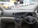 トヨタ アイシス 2.0 プラタナ リミテッド 4WD