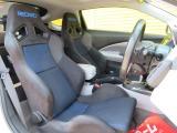 左右のシートはレカロ製のシートに交換されていますので、ホールド性バッチリです(純正シートはございません)