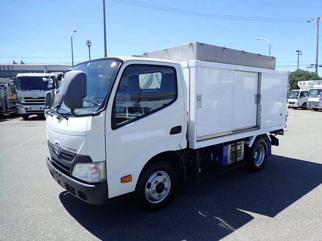 トヨタ ダイナ  H25 1.9t 10尺 ボトルカー
