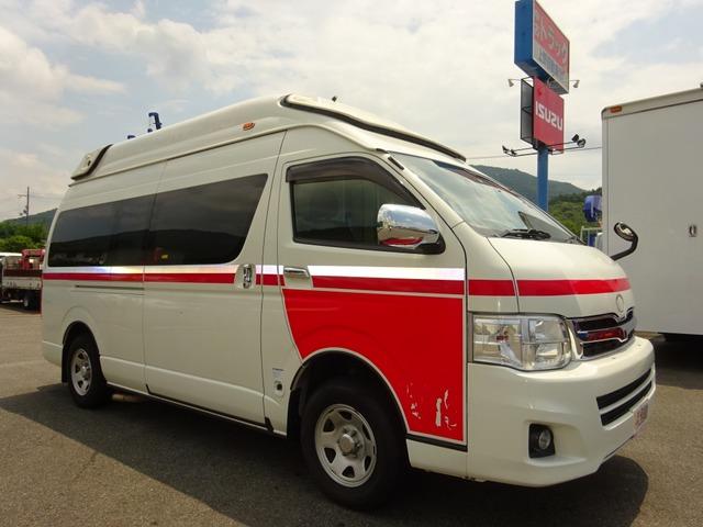 トヨタ ハイエース  救急車 4WD ハイメディック 7人乗り