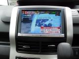 フルセグTV DVDビデオ SD/CD対応 走行中の聴視も可能です。