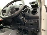 純正キーレス/100V電源/ハンドル位置調整/電動格納ドアミラー/ヘッドライトレベライザーなどが装備されています。