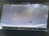 ドライブコンピューター[平均&瞬間燃費/航続可能距離/外気温/各種メンテナンス表示他]やキー連動室内照明システム、アームレスト[格納タイプ]、ロールサンシェード[2列目左右]などその他、多数装備!!