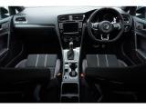 ドライバー疲労検知システム、プリクラッシュブレーキシステム(シティエマージェンシーブレーキ機能付)、プロアクティブ・オキュパント・プロテクション、レーンキープアシスト、アダプティブクルーズコントロール