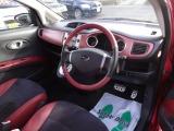 内装はキズ汚れの少ない、とても綺麗なお車です。シート、内装のデザインがオシャレです。