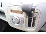 オートエアコンで気温もコンマ5度まで調整可能!!お車をご覧になられる際はお手数ですが事前に0066-9711-035735までおといあわせくださいませ!!