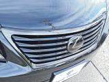 フロントグリルは、インナーブラック塗装!メッキ部分にはブラウンクロームに塗装されております!コダワリのカスタムですね!