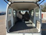 リヤシートをフラットにすれば大容量の荷室スペース!