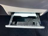 灰皿使用歴が見られましたのでエアコンフィルター新品交換済みです!