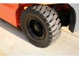 左後輪 新品ノーパンクタイヤに交換済です!