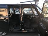 認証整備工場を完備。車検検査コースも完備し、2級整備士が消耗品を含む法律で定められた整備個所を点検致します。また、オーディオ・エアコン等、車検整備とは関係のない個所も、予備整備してお渡し致します。
