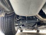 本州車両ですので下回りの サビ 等も少なく綺麗です 在庫期間は下回り塗装いたしません。入庫時の下回りをご確認ください。保護の為の防錆処理はお客様のご希望でお渡しする時に行います。