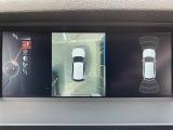 360度サラウンドビューカメラに加え車輌の前後バンパーに装着されたパーキングセンサーが障害物を検知し車庫入れも安心。★詳細はhttp://smart-auto.co.jp弊社ホームページをご覧下さい★