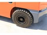 フロント、リヤタイヤ共にノーパンクタイヤ新品に交換済みです!!