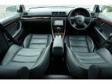 アウディ A4アバント 2.0 TFSI クワトロ ラグジュアリーライン 4WD