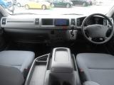 トヨタ ハイエース 2.7 エアロツアラー ミドルルーフ 4WD