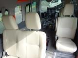 内装も綺麗な状態を 保っています★ 2列目以降の後席は 汚れが 付きにくく 汚れをふき取りやすいシート地になっています★