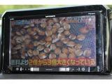 カロッツェリア製AVIC-RQ902「マルチウェイスクロール」を採用したタッチパネルを搭載し、スマートフォンのような感覚で操作できる9型ワイドカーナビ