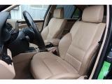 高級感のある本革シートは座り心地良く長距離のドライブでも疲れを感じさせません。