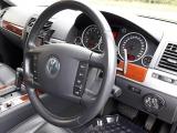 フォルクスワーゲン トゥアレグ V6 CDCエアサスペンション装着車 4WD