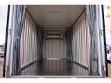 荷台内寸:430×194×192 東プレ/F135810 R3枚観音扉/カーテン付 箱厚み6cm 床ステンレス 水抜き穴F1対 荷室LED灯2個 可動式カーテン付