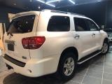 米国トヨタ セコイア リミテッド 5.7 V8 4WD