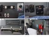 オートAC PS ABS HSA 排気ブレーキ ETC 純正DVDナビ/バックカメラ連動  ミラー/扉ガラス/ウインドヒーター 一体式タコグラフ 運転席灯 デジタル時計  フォグランプ 消火器1個
