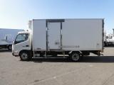 デュトロ  2t標準ロング低温冷蔵冷凍車
