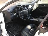 ドアを開けた瞬間にワクワクさせる運転席です!