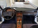 ミディアムクラス 300E  正規ディーラー 1オーナー ロリンザ17