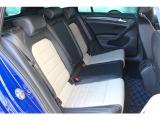 ◇ローンチエディション専用シート◇スポーティーかつラグジュアリーなスポーツシートはへたりも少なくコンディションは良好です。