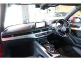 アウディ A4 2.0 TFSI クワトロ Sラインパッケージ 4WD