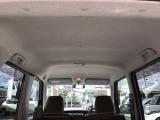 車内天井特殊な機械でクリニング済みです。