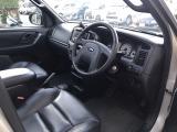 フォード エスケープ 3.0 XLT プレミアム・エディション 4WD