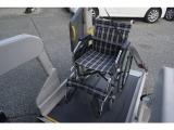3点式シートベルトがリフト上で装着可能ですので介助の方も楽にシートベルトの装着ができます★