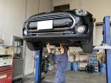 bobでは自社整備工場完備で、1級自動車整備士が常駐しています!お客様の納車車両の点検整備をやらさせて頂いてます!もちろん在庫車両は点検済みで店頭に並んでいますので全車安心して試運転も出来ます。