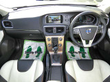 V40クロスカントリー T5 4WD レザーパッケージ