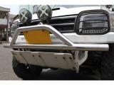 ニュークロスチューブバンパー・フロントアルミ製リブ付スキッドプレート