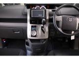 ヴォクシー 2.0 Z 4WD 両側パワースライド