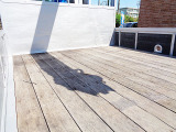 床板木 鳥居窓下鉄板張り仕様となっています。