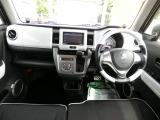 フル装備!HID・ABS・CD・DVD再生・メモリーナビ地デジフルセグTV・スマートキー・ETC・シートヒーター・オートエアコンなど嬉しい装備です。