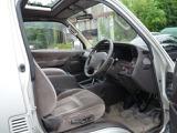 トヨタ ハイエース 3.0 スーパーカスタムリミテッド トリプルムーンルーフ ディーゼル 4WD