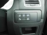 各種安全装備は運転席右側にまとめられております