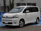 トヨタ ヴォクシー 2.0 V 4WD