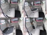 シートスライドや左右分割のリクライニングで使い勝手の良い後席スペース!